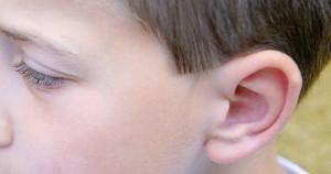 Cuando niños, los cartílagos son más flexibles y moldeables, por lo que la otoplastia es más fácil