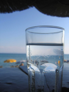 Beber con regularidad ayuda a prevenir las hemorroides