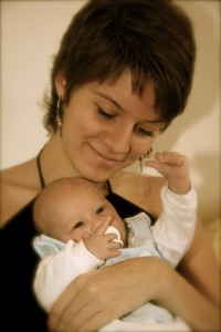Con la transferencia de embriones se introducen a través de una cánula en el interior del útero